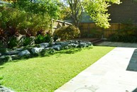 Eaglemont rear Lawn and garden